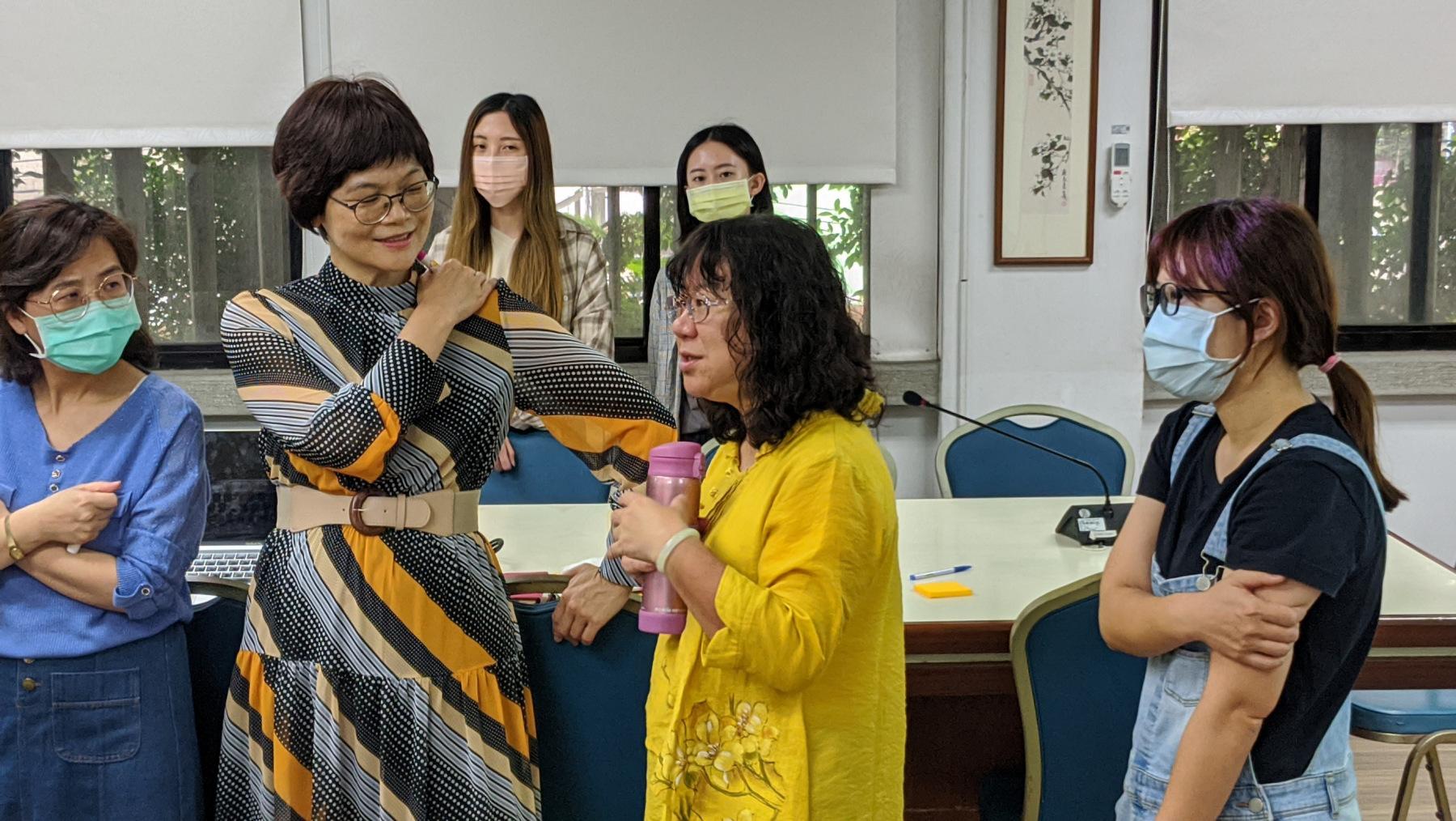 教育部高中優質化計畫輔助方案團隊鄭敬儀主任亦全程參與並協助引導。